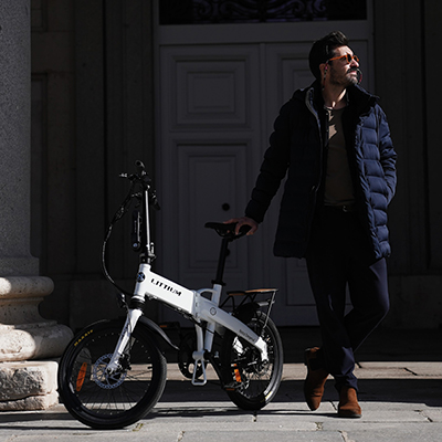 Ajustar sillín de bicicleta plegable