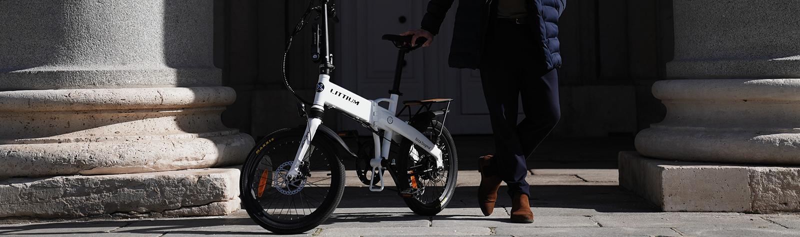 ¿Cómo ajustar el sillín de una bicicleta plegable?