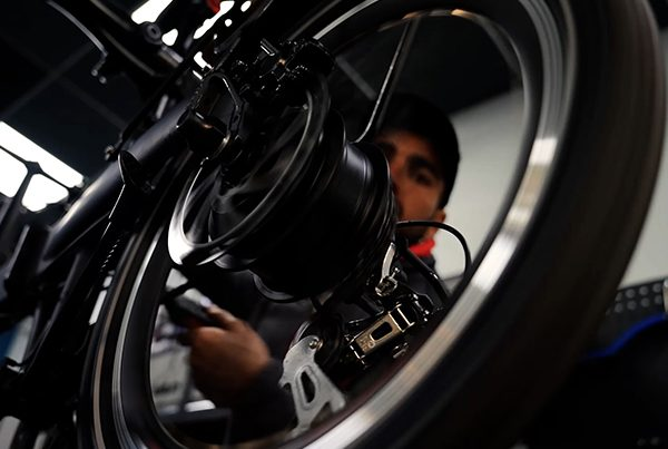 Primera certificación en mecánica de bicicletas